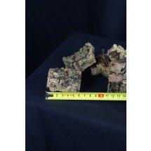 kurkschors kleine maat blokje +/- 6 cm lang met haakje